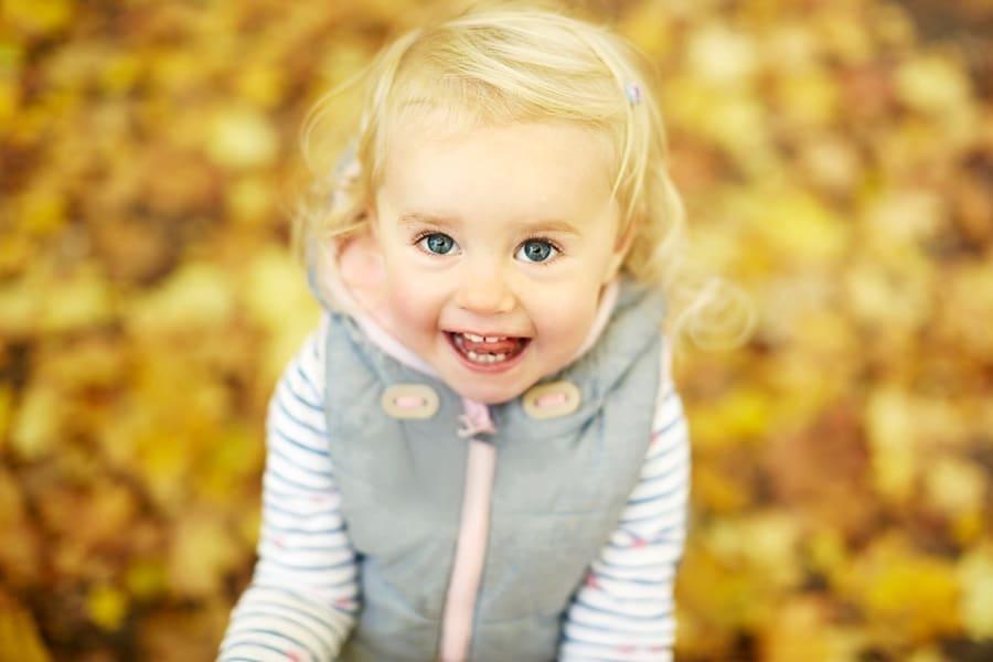 Ein Foto von einem kleinen blonden Mädchen vom Fotograf in Leipzig