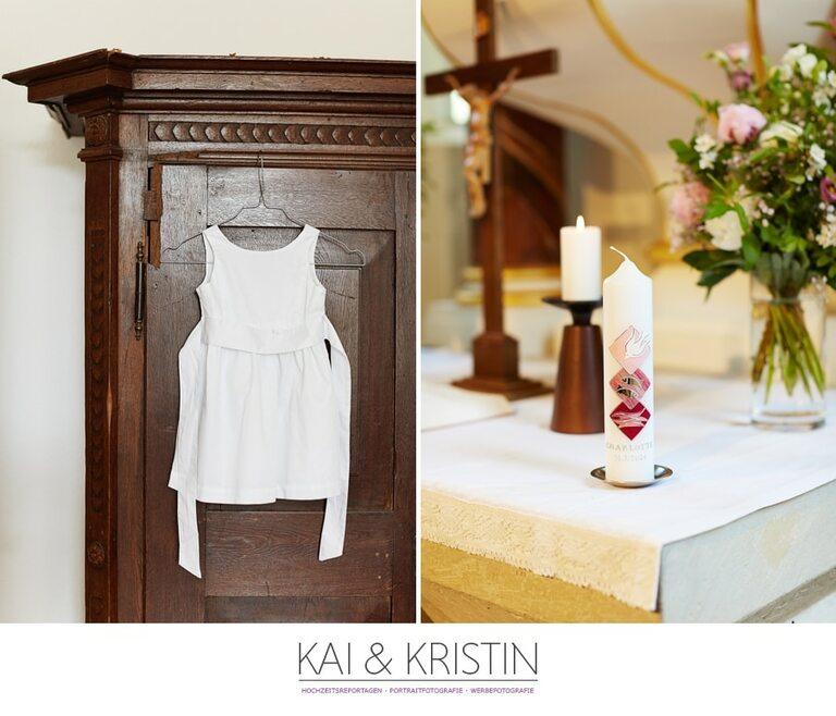 Eine Taufkerze auf einem Altar