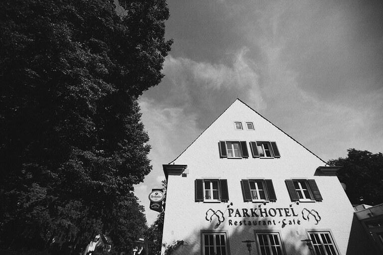 Ein Foto vom Parkhotel Wolfsburg fotografiert von einem Hochzeitsfotograf in Wolfsburg