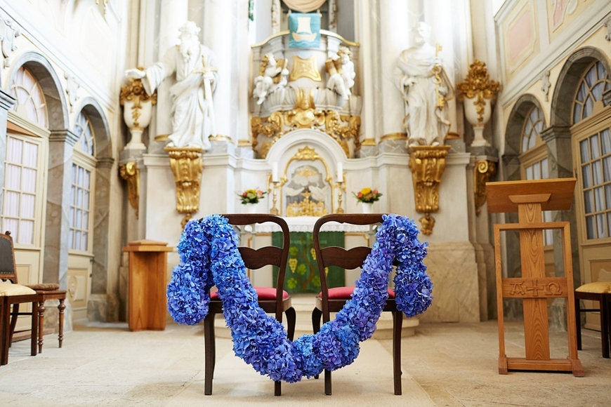 003-Schlosskapelle-Weesenstein-Blumendekoration