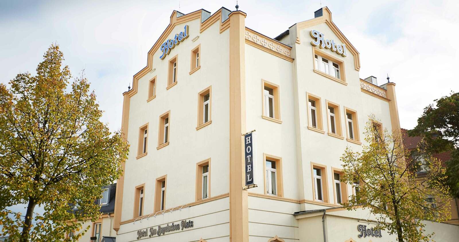 Aussenaufnahme vom Hotel Bayrischer Hof in Leipzig